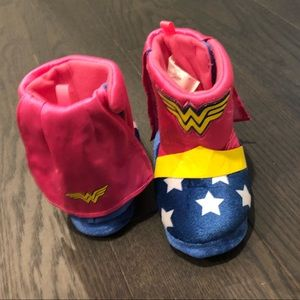 Other - Wonder Woman slippers size 5